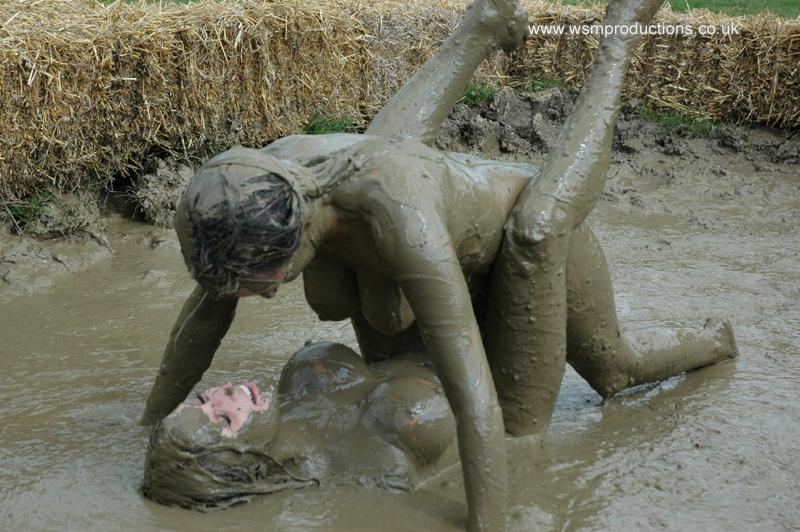 Nude mud bath girl criticism